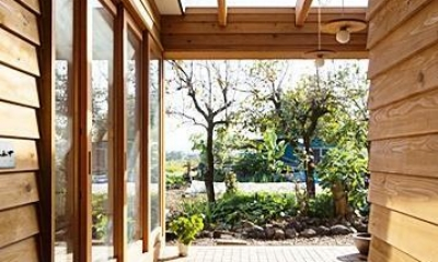草屋根の家 (玄関土間)