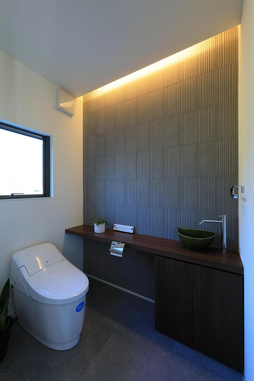 トイレ (新築を超える古民家リノベーション)