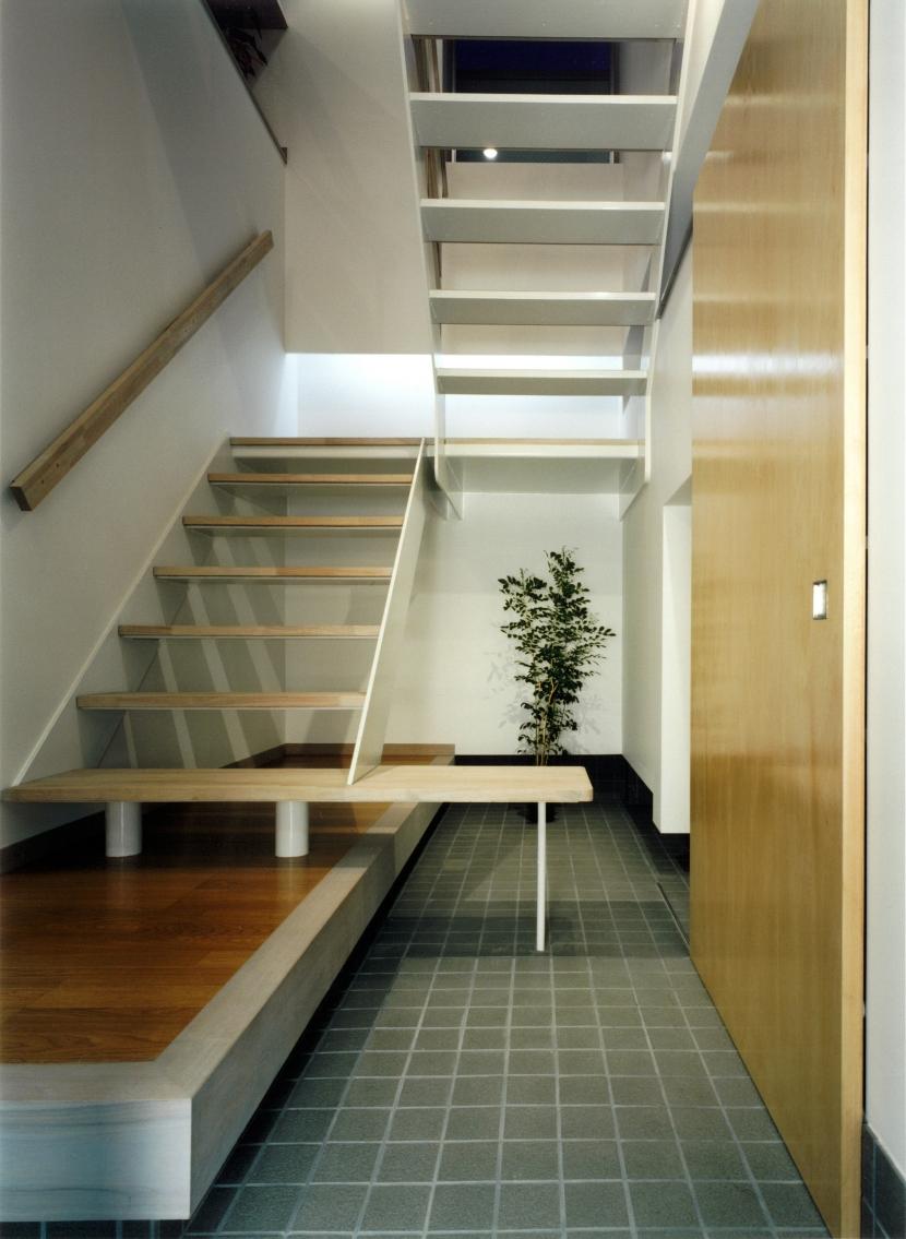 建築家:濱嵜良実「MKO」