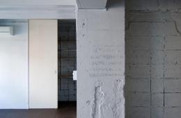 目黒の住宅 (インパクトのある針葉樹合板の壁)