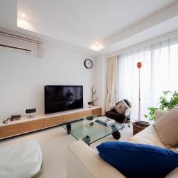 富ヶ谷の住宅 (柔らかな白いリビング空間)