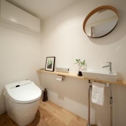 富ヶ谷の住宅 (広々としたトイレ)