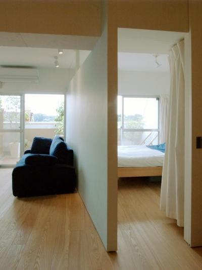 寝室 (slicey-水色と黄色で楽しい1LDKに)