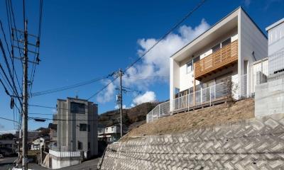 中野の家Ⅲ 高台の旗竿敷地の住宅。高台の利点を活かし家族の思いを詰込んだ