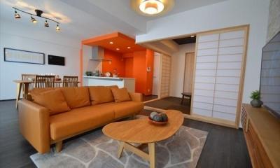 細かな間取り変更で実用的に。家具の配色にまでこだわった統一感のある空間