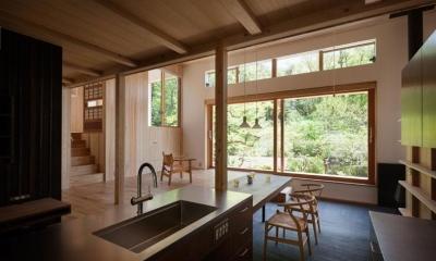 リビングダイニングキッチン|森林公園の家