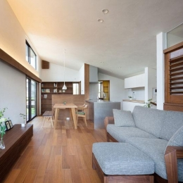 長野の家-リビングダイニング