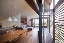 長野の家 (開放的なリビング)