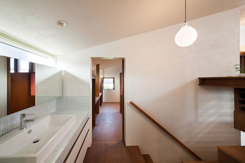 長野の家の写真 タイルがインパクトのある洗面台