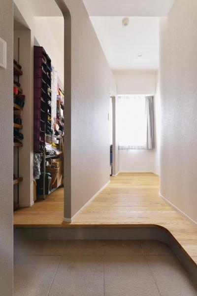 玄関・玄関収納 (忙しくても家族の時間を大切に!―課題は家事時短と子ども達との距離)