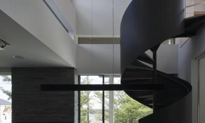 那須の家 (開放的な吹抜けのダイニングキッチン)