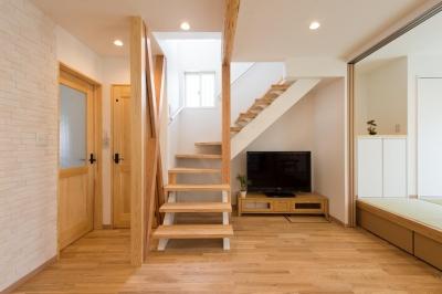 階段 (自然素材でスケルトンリフォーム!増築し、耐震補強も)