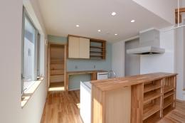豊田市の家2 (収納たっぷりのキッチン)