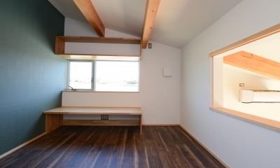 豊田市の家2 (リビングと会話のできる洋室)