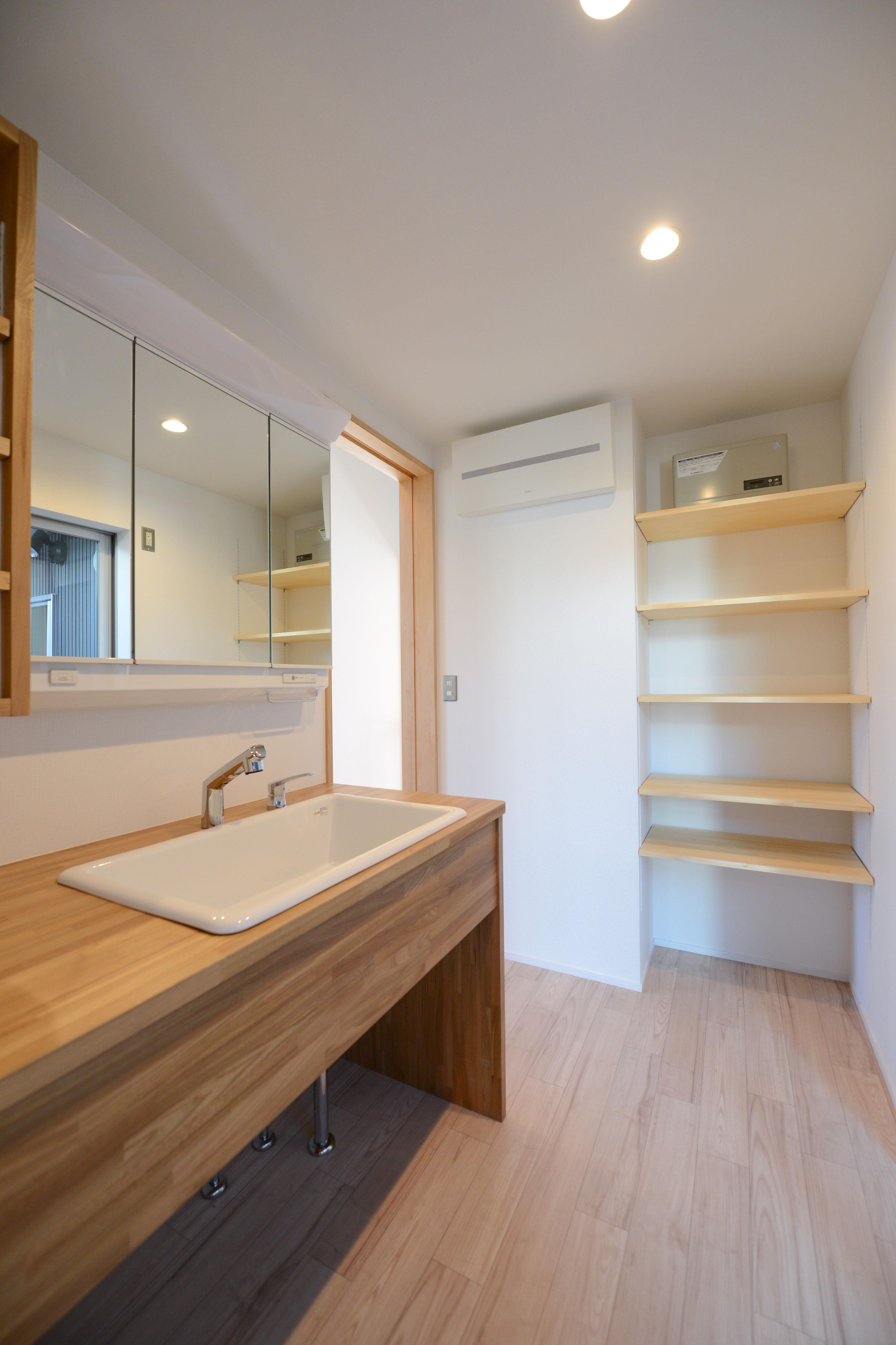 豊田市の家2の部屋 木を感じる洗面室