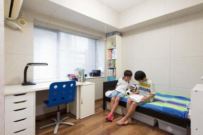 子ども部屋 (ご家族の生活スタイルに合わせて、中古マンションを全面改装)