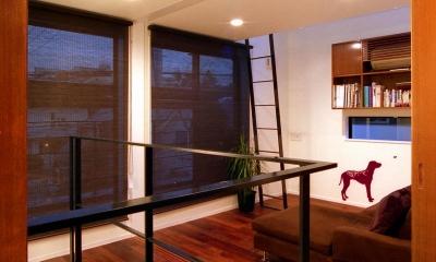 階段ホール・セカンドリビング|オープンテラスの家・OPEN TERRACE HOUSE 東京都世田谷区