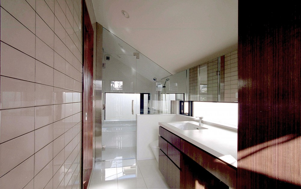 オープンテラスの家・OPEN TERRACE HOUSE 東京都世田谷区 (洗面・浴室・W.C.・ユーティリティ)