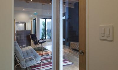 ウッドテラスの家・WOOD TERRACE HOUSE 東京都杉並区 (玄関1)