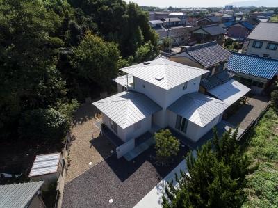 Three huts house (3つの平屋を上空より見る)
