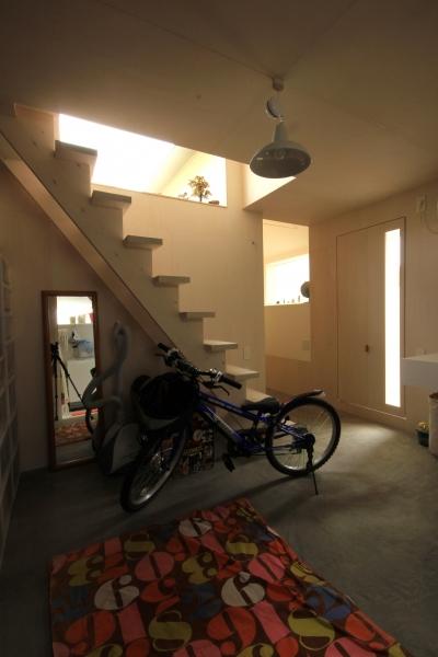 三条の家 (水回り+収納室)