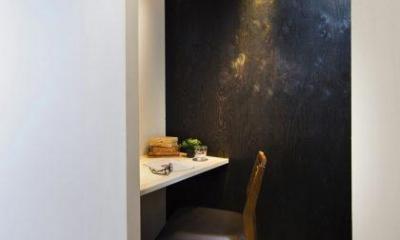 洋室|素材で仕切るやわらかな空間。
