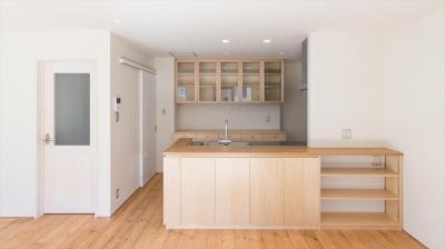 キッチン全体 (自然素材に囲まれたリフォーム:『青葉区あざみ野のリフォーム』)