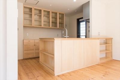 キッチン正面 (自然素材に囲まれたリフォーム:『青葉区あざみ野のリフォーム』)