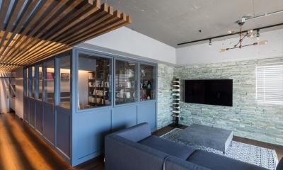 石張り壁のあるフルリノベーション:『品川区五反田のリノベーション』 (寝室)