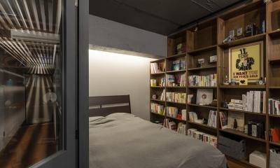 寝室/書斎|石張り壁のあるフルリノベーション:『品川区五反田のリノベーション』