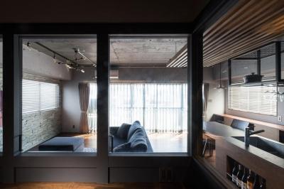 寝室/書斎 (石張り壁のあるフルリノベーション:『品川区五反田のリノベーション』)