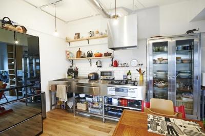 ニューヨークのアパート (ダイニングキッチン)