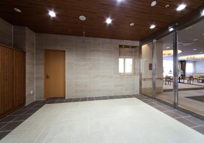 玄関・エントランスホール|ラグジュアリー老人ホーム|茨城県土浦市 (ラグジュアリー老人ホーム)