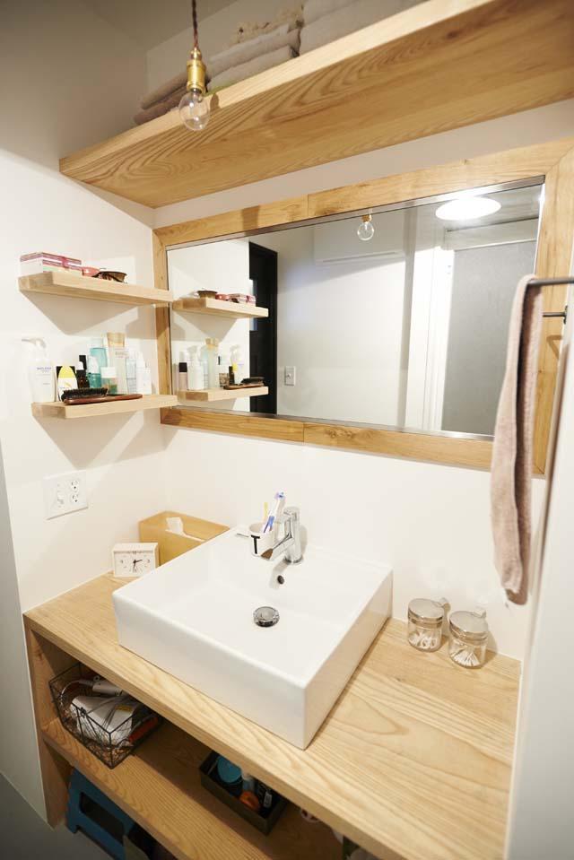 ニューヨークのアパート (洗面台)