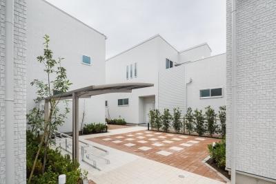 南側外観|中庭のテラスハウス|東京都足立区 (中庭のテラスハウス)