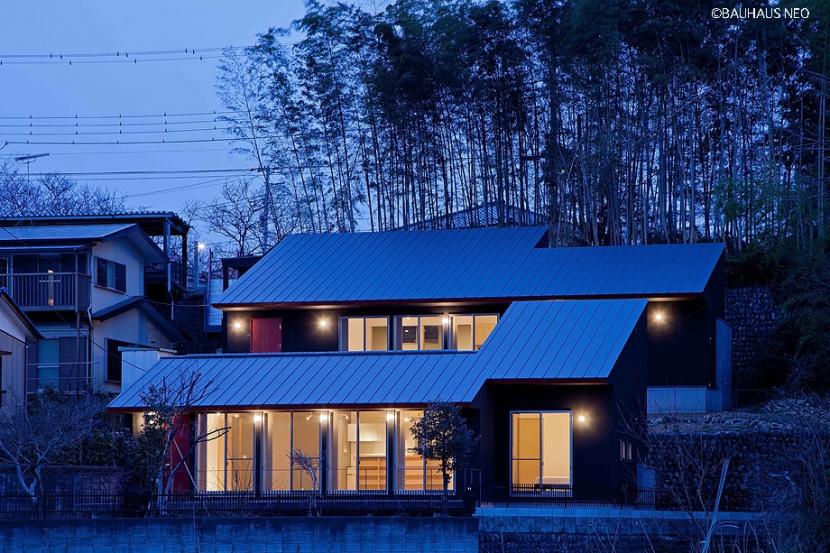 (東京都あきる野市)秋川の3段崖地の家/A棟/B棟