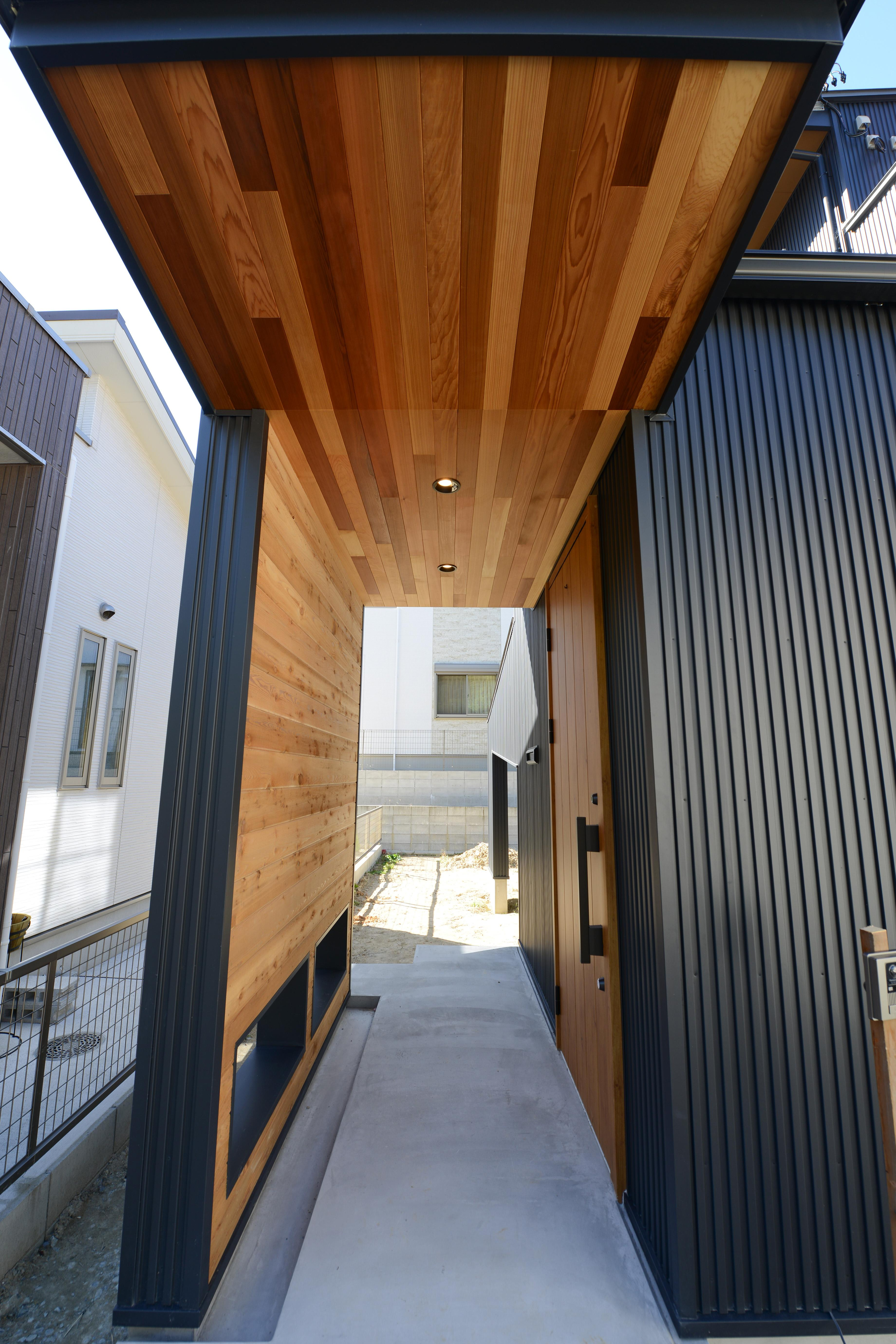 阿久比町の家の写真 玄関アプローチ