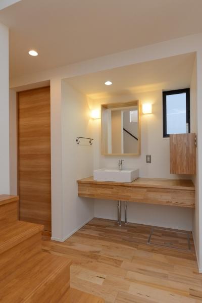 シンプルな洗面台 (阿久比町の家)