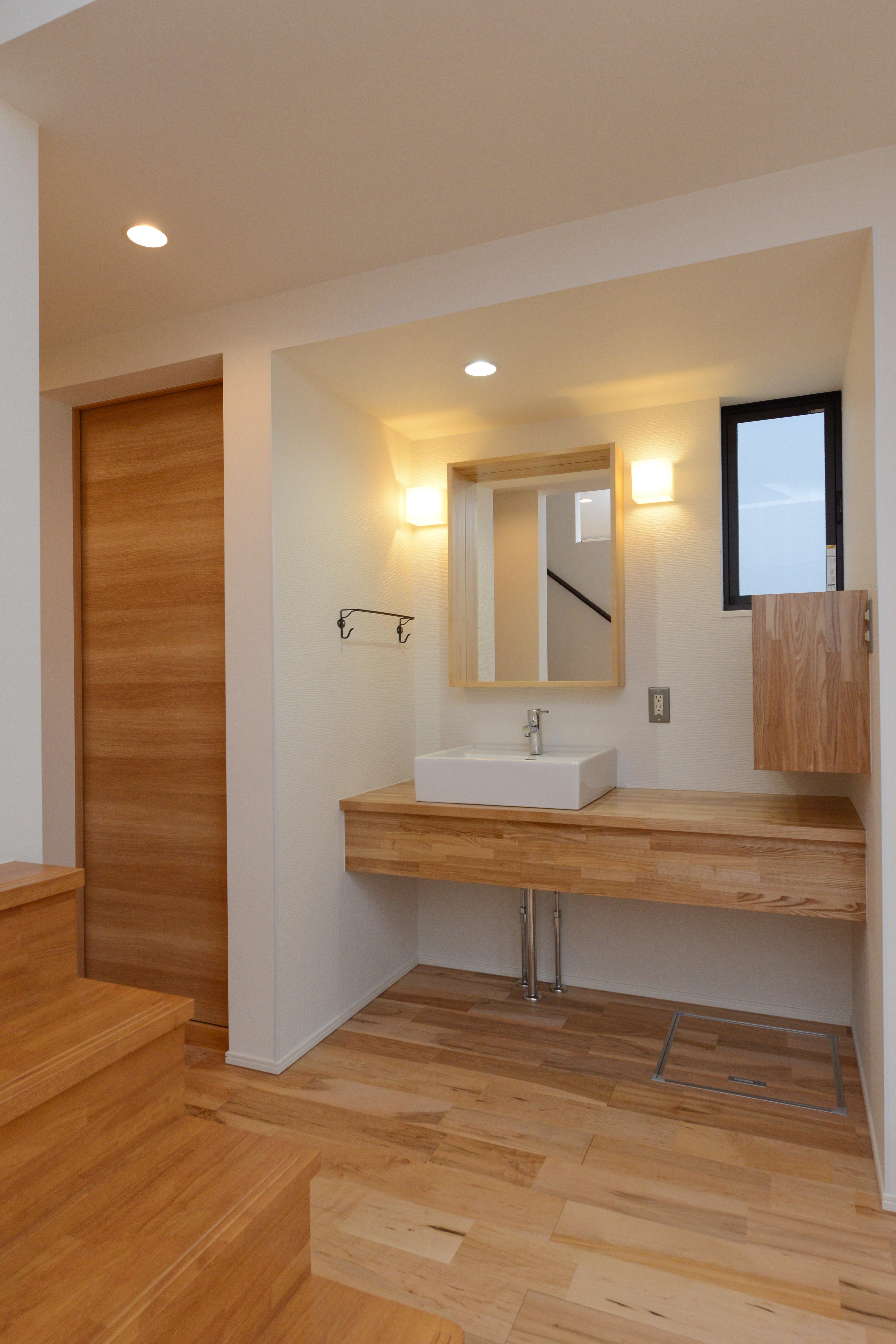 阿久比町の家の部屋 シンプルな洗面台