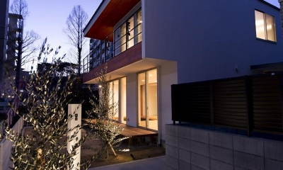 外観夜景|宝塚の家