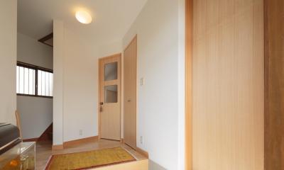 動線と収納を見直した家 (エントランス1)