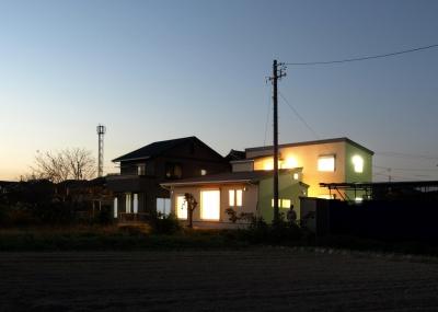 『片流れ屋根の家|H-House』温かみ溢れる住まい (外観・遠景)