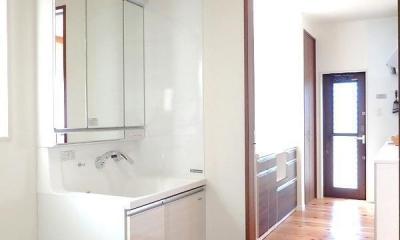 洗面室|木の香りに包まれて心地よく暮らす家