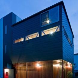 21坪の敷地に建てた「展望バルコニーのある家」全景