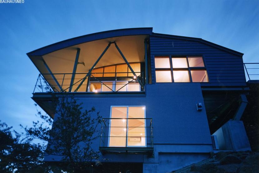熱海・自然郷の家の部屋 崖地に建つ熱海自然郷の家