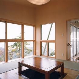 熱海の絶景を眺める事ができる掘りごたつ付きの和室 (熱海・自然郷の家)