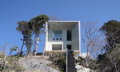 志摩船越の別荘 (急峻な崖の上に建つ別荘)