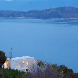 志摩船越の別荘 (圧倒的な大自然に囲まれ、大海原を望むコンクリートの箱)