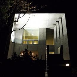 志摩船越の別荘 (ライトアップした外観)