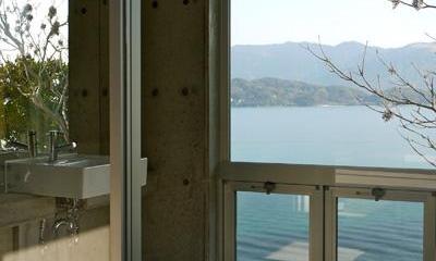 志摩船越の別荘 (海の眺めを満喫できる浴室)